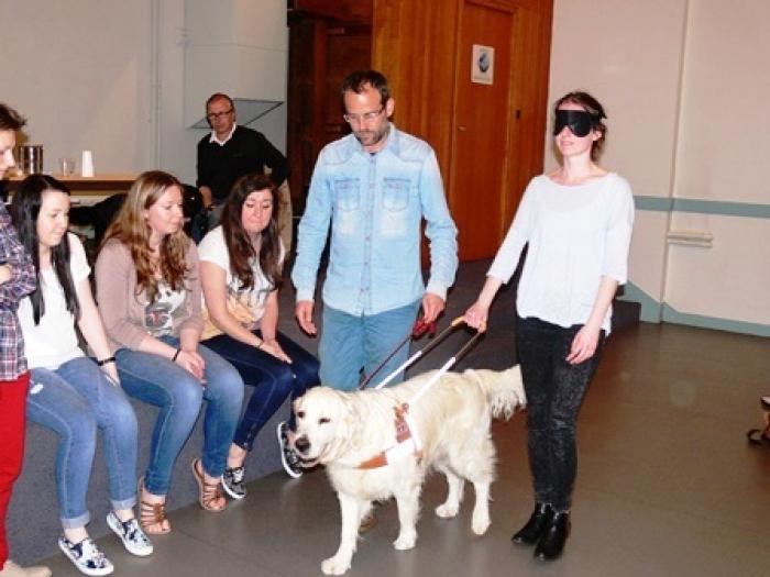 Association des non voyants chien bonheur - Donner ses meubles a une association ...